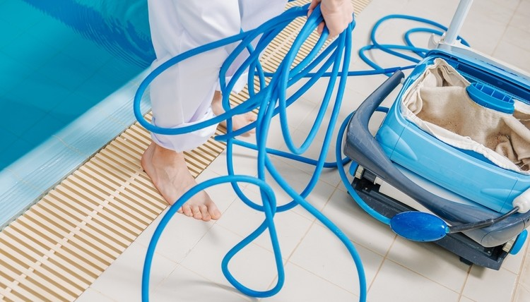 pool cleaning services in abu dhabi